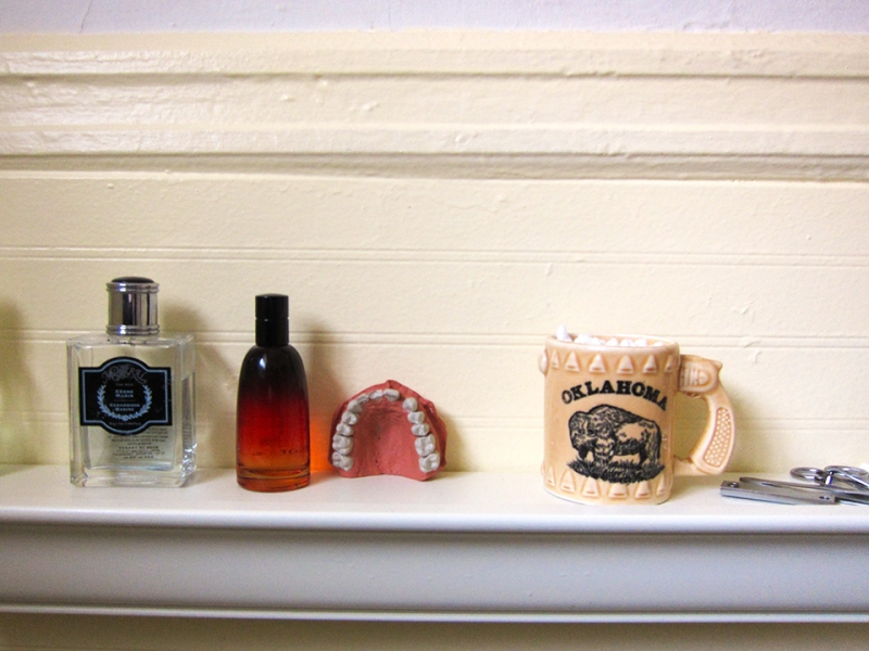 bathroom shelf2