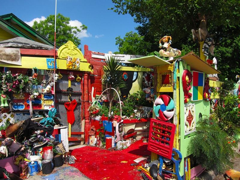 flower man house 10